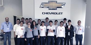 Liceu visita fábrica da GM